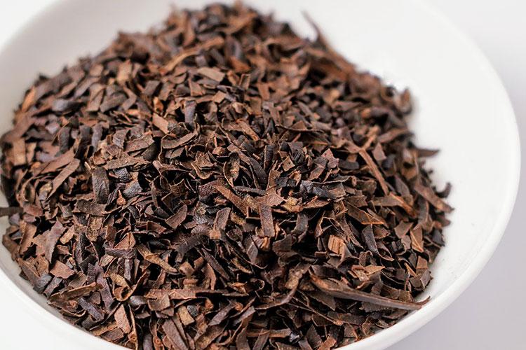 十津川農場ねじめびわ茶の茶葉